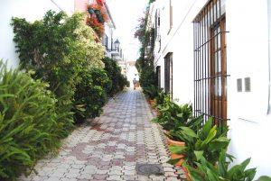 Enge Gasse in der Altstadt von Marbella